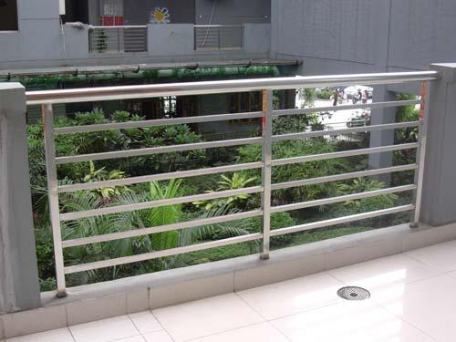 白钢栏杆1